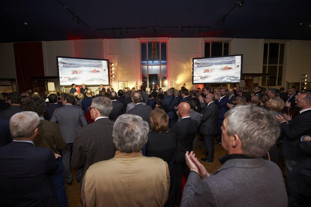 Hommage aux vainqueurs dans la salle du Trophée Jules Verne au musée national de la Marine ©Jacques Vapillon
