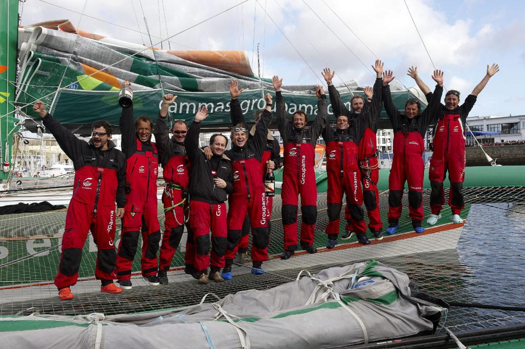 21/03/10-Arrivée à brest de Groupama 3 pour le record trophée Jules Verne, Battu en 48 jours,7 heures,44 minutes et 52 secondes